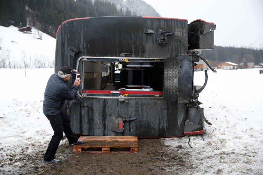 FOTOD ja VIDEOD | Karm torm kimbutab Ühendkuningriigi kõrval ka mandri-Euroopat, hukkunud on kolm inimest
