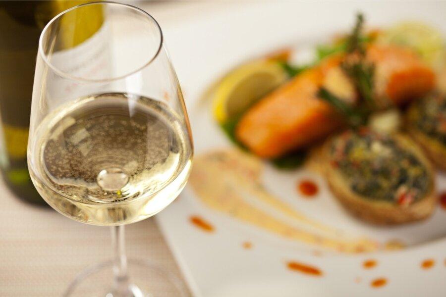 Taevane kooslus: millist veini valida kala juurde?