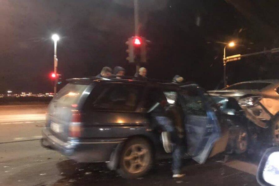 VIDEO | Tallinna-Tartu maantee alguses põrkasid kokku kaks sõiduautot, liiklus osaliselt häiritud