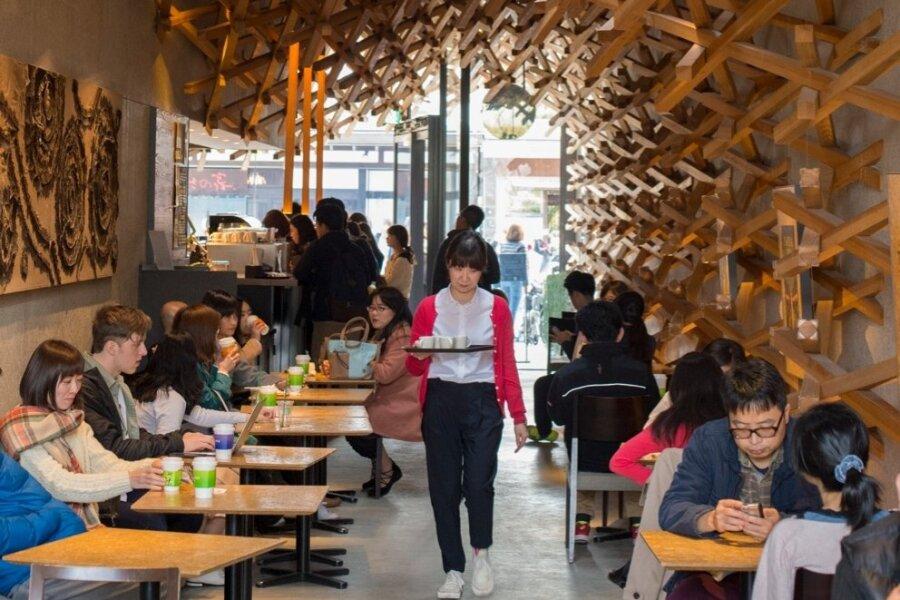 Võimalik, et see arhitekt Kengo Kuma loodud Starbucks Fukuokas on keti kõige ilusam kohvik kogu maailmas.