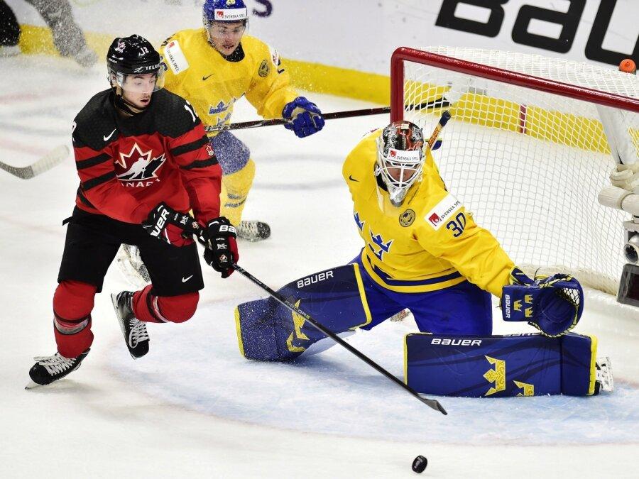 Вфинале молодежногоЧМ похоккею сыграют сборные Канады иШвеции