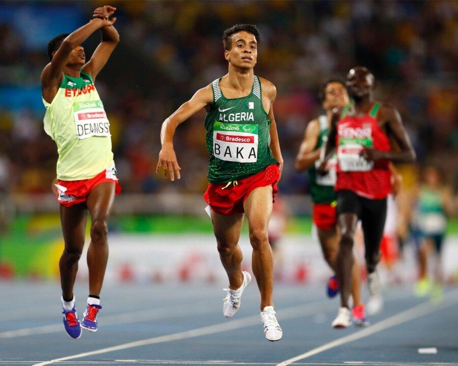 Паралимпийцы пробежали 1500м скорее, чем олимпийский чемпион Рио