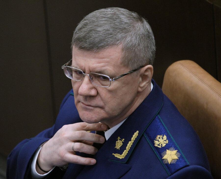 ВКремле сообщили озаказном характере расследования осемье генерального прокурора Юрия Чайки
