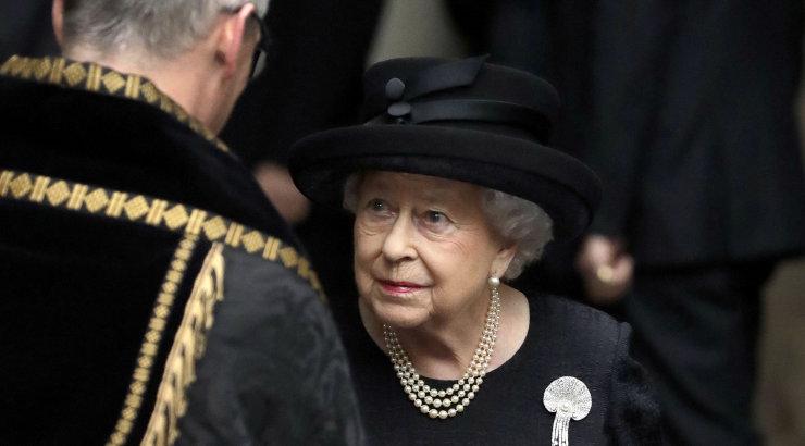 Kuninganna sugulane ja tema 12-aastane tütar hukkusid laupkokkupõrkes