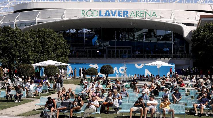 Melbourne'is kehtestatakse viiepäeavane eriolukord, Australian Open jätkub pealtvaatajateta