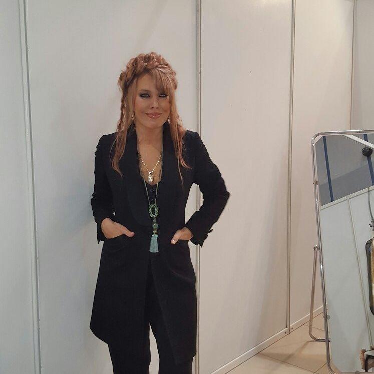 Исхудавшая эстрадная певица Азиза призналась, что больна