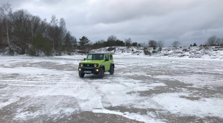 Mootorsõidukiga talvist loodust avastama: tore küll, aga enamasti keelatud