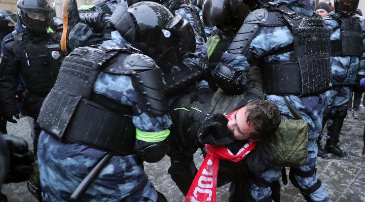 Protestiaktsioonidel osalemise eest nädalavahetusel Moskvas on hoiatanud uurimiskomitee, peaprokuratuur ja politsei