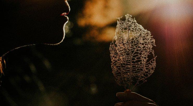 15 lihtsat asja, mida saad oma eriti niru enesetunde parandamiseks kohe teha