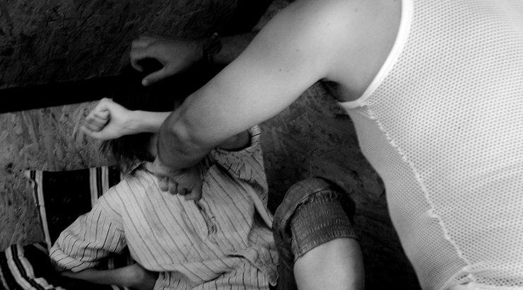 отцы насилуют своими руками