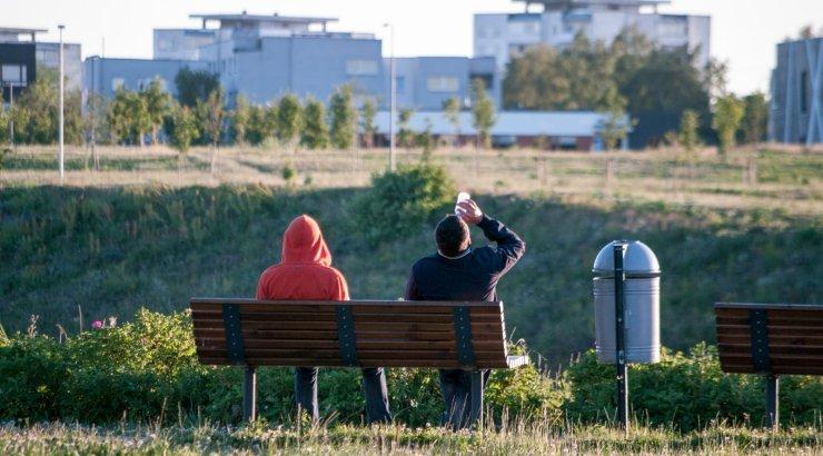 24-aastane pani koos 12-aastasega Tartus tänava peal tina