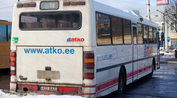 ATKO vedas taas reisijaid alt: buss ei ilmunud kohale. Ettevõte pahandab riigiga