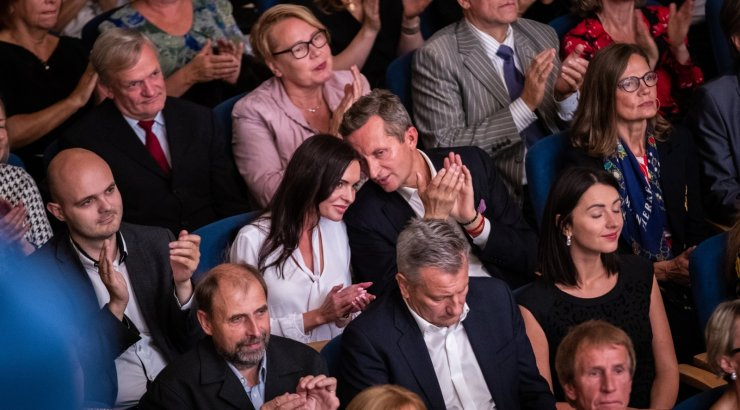 Kes oli see kaunitar, kellega Pärnamets Estonia hooaja avakontserdil käis?