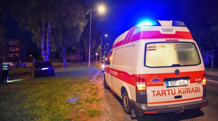 """В Конотопе машина полиции сбила на """"зебре"""" 10-летнего мальчика: он в тяжелом состоянии (видео)"""