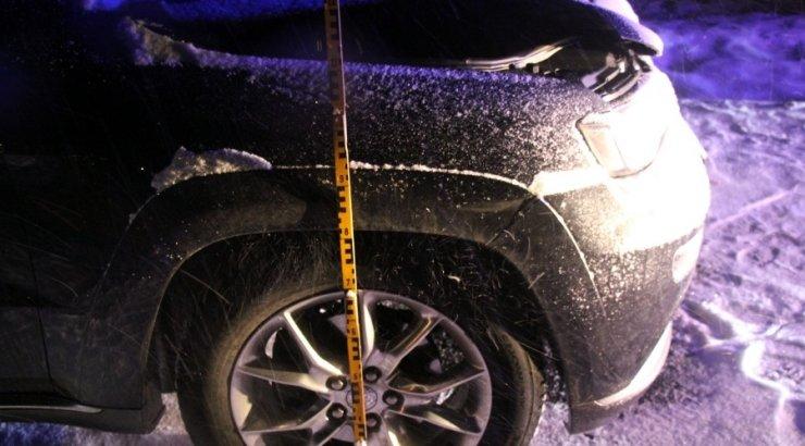 FOTOD SÜNDMUSPAIGALT | Ekspertiis: Tartu vallas auto alla jäänud keskealine mees oli raskes joobes