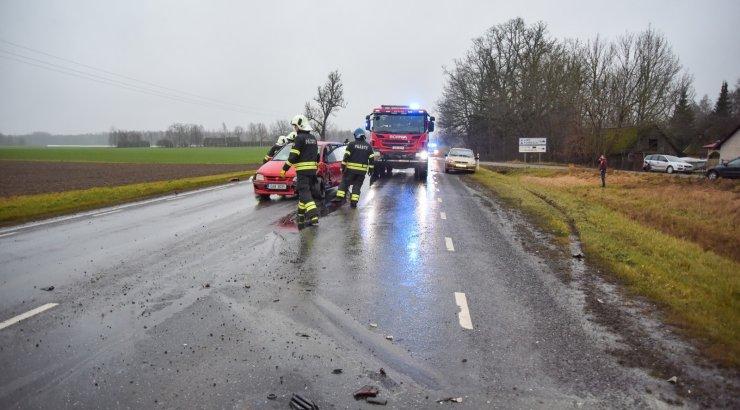 FOTOD | Viljandi vallas põrkasid kokku kolm sõiduautot