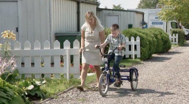 11aastase liikumispuudega Kevini ema: arstid ütlesid viisakalt, et kui teda nädala pärast enam ei ole, peate sellega harjuma