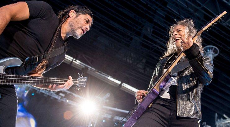 Andekad mitmel rindel! Metallica bändiliikmed kirjutasid oma kõige pisematele fännidele raamatu