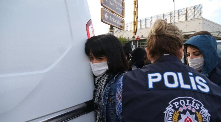 В Стамбуле вооруженный ножом мужчина напал на трех россиян