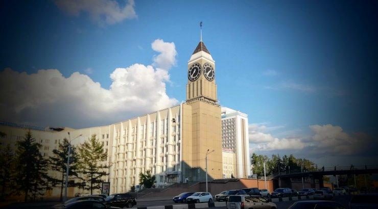 MAALEHT SIBERIS | Vaata, kuidas ehitada oma linna kellatorn, mis on paukselt üle ilma kuulus