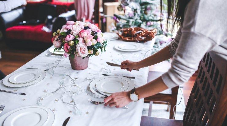 Michelini tähega pärjatud kokk annab nõu, kuidas katta ka kodus külalistele täiuslik õhtusöögilaud