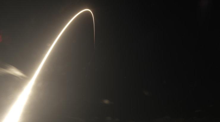 Musk joonistab taevalaotuse ümber: plaan on kosmosesse läkitada kümneid tuhandeid satelliite