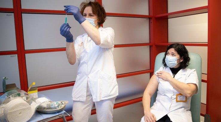 Siret Kotka: kartusi vaktsineerimise ees tuleb vähendada