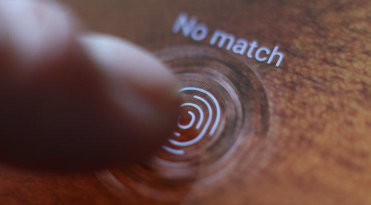 Vigased sõrmejäljelugejad tekitavad Samsungi kasutajatele pangaprobleeme