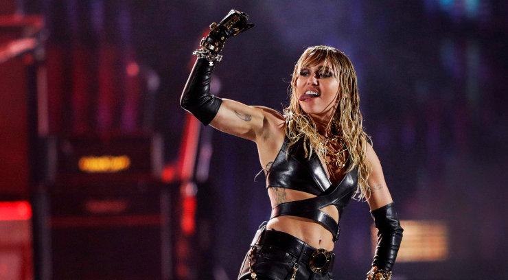 KLÕPS | Miley Cyrusi uus tätoveering vihjab valusale abielulahutusele
