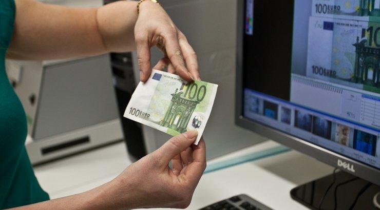 Сегодня входит в оборот купюра в тысячу гривен (ФОТО)
