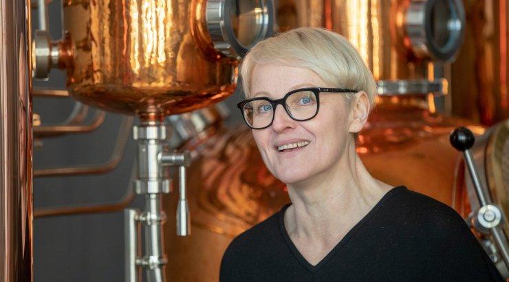 Õpetajast džinnimeistriks: Saaremaa naine keedab jõulukuused käsitööjoogiks