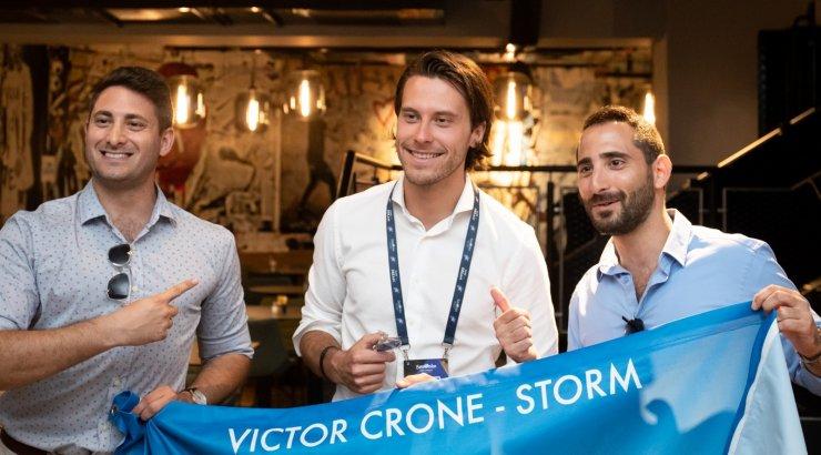FOTOD | Skål! Victor Crone, ta sõbrad, pere ja Eesti tiim käisid edasipääsu tähistamas Eesti suursaadikuga Iisraelis