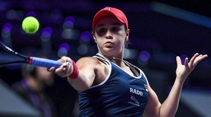 TÄISPIKKUSES   Maailma esireket sai WTA-finaalturniiril kindla võidu ja kindlustas koha poolfinaalis