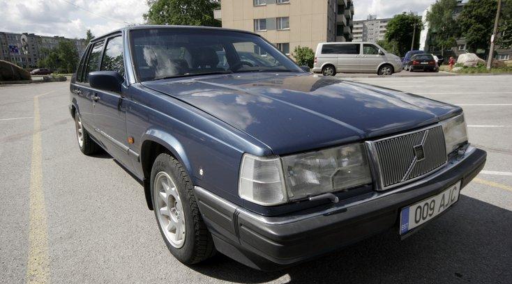 Müügil on president Lennart Meri esimesi ametiautosid, Rootsist kingitud Volvo!: