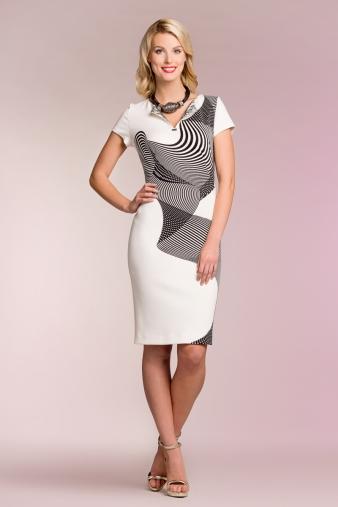 22df330ddbc Eelista hea venivusega materjalist kleiti, milles näed esinduslik ja  naiselik välja, ent tunned end ka väga mugavalt. Igapäevaselt kantav kleit  võiks olla ...