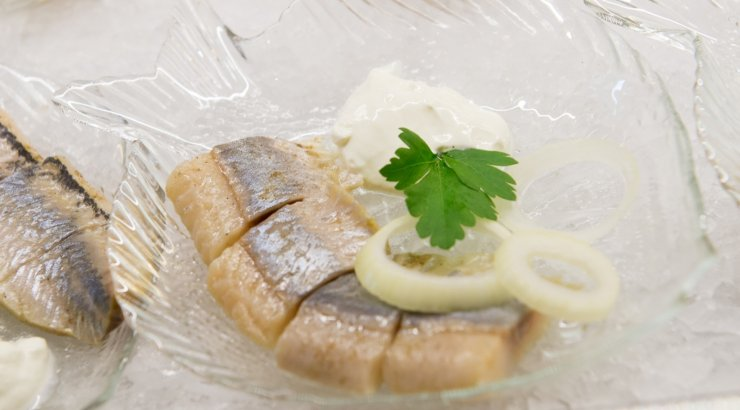 RETSEPT | Klassikaline marineeritud heeringas ehk maitsev rullmops