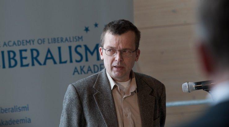 Mart Laar: Heiki Kranich ähvardas ja sõimas Eesti Panga nõukogu liiget. Kranich: Laar peksab segast
