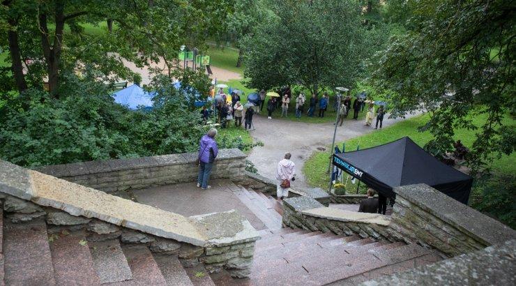 FOTOD   Hirvepargis koguneti traditsioonilisele kõnekoosolekule