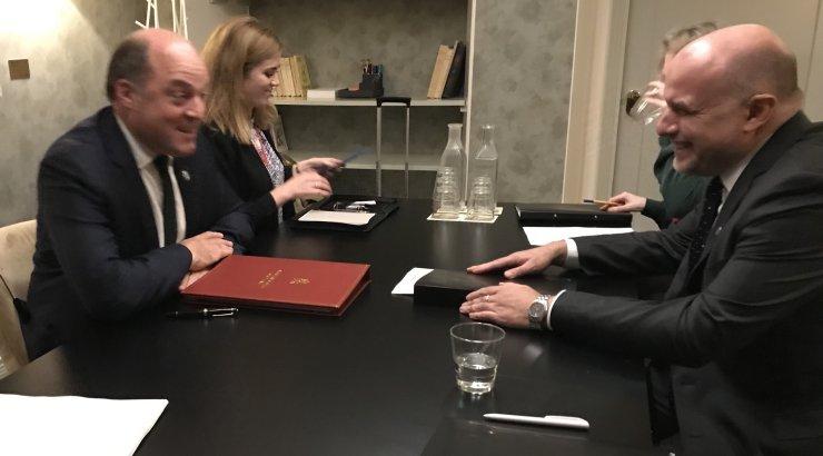 Luik kohtus Ühendkuningriigi uue kaitseministriga