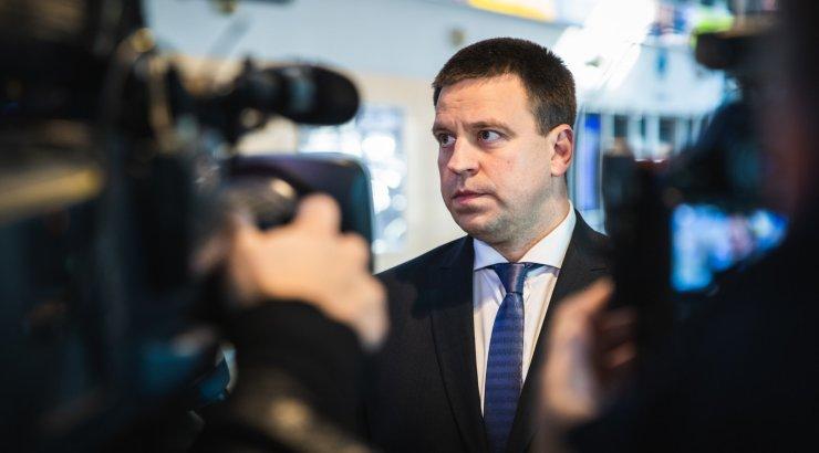 Peaminister Jüri Ratas Delfile: mina usaldan prokuratuuri sõltumatust. Kohtun esmaspäeval Järviku ja Helmega
