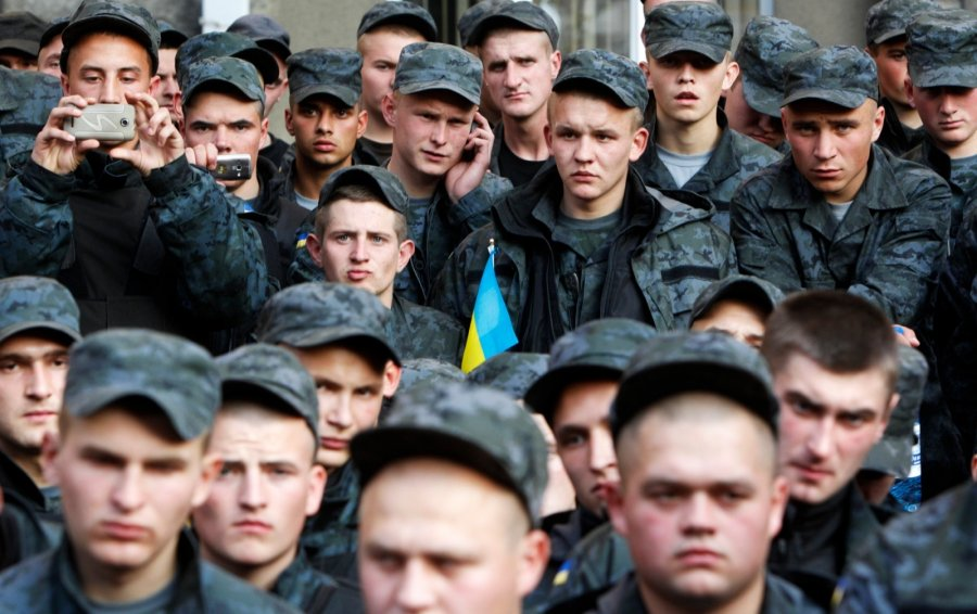 Минобороны планирует силовой захват отеля Казацкий