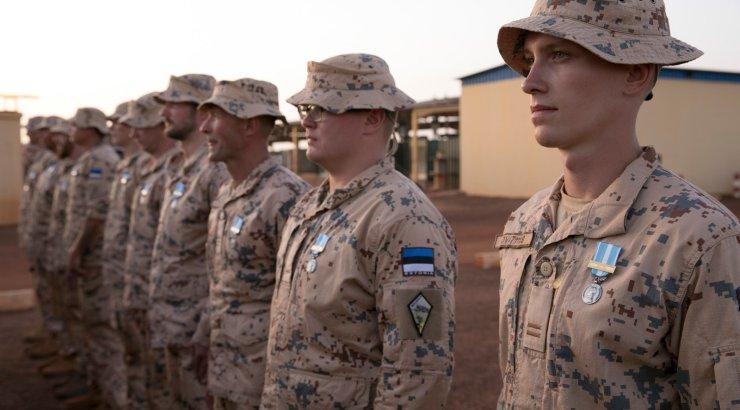 FOTOD | Prantsusmaa tunnustas Malist naasvat Eesti kontingenti missioonimedaliga