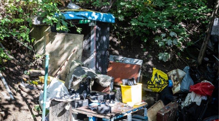 FOTOD | Reidi tee äärest kaotatakse varjendisse ehitatud kodutute punker