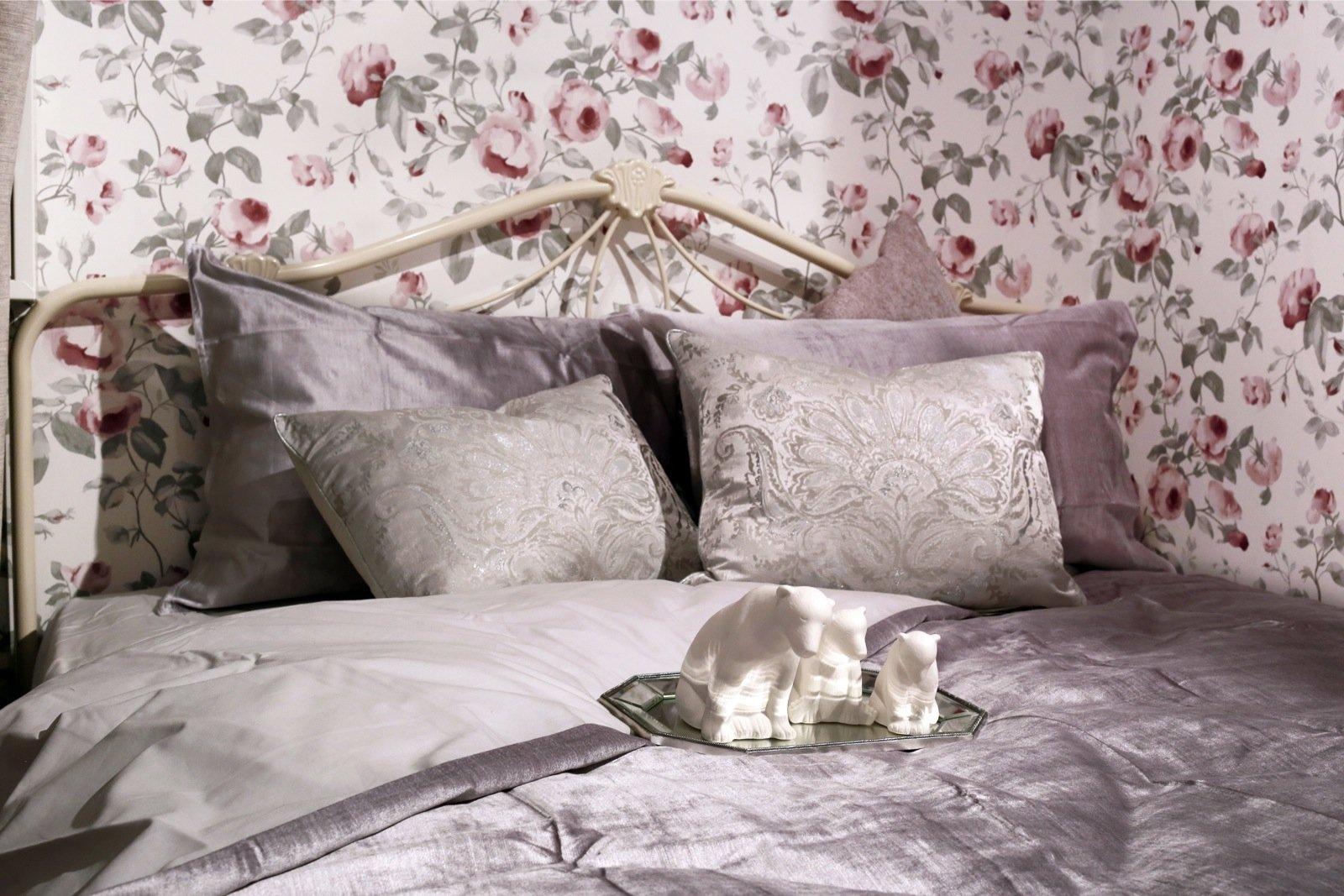 ff77e7ace35 Laura Ashley talvise hooaja voodipesudes on klassikat ja modernsust.  Sellise voodipesukomplekti puhul ei pea päevatekki kasutama. Foto: Maakodu