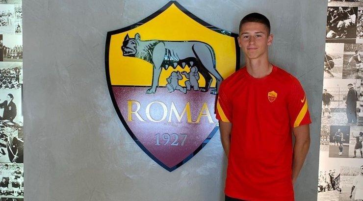 Eestlased välismaal: 16-aastane Vetkal tegi debüüdi AS Roma U19 võistkonnas