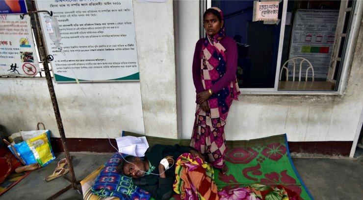 eb4a48e3010 India kirdeosas Assami osariigis suri üle 130 puskarit joonud inimese.  Umbes 200 mürkalkoholi joonud inimest on haiglas, nii et ohvrite arv võib  veelgi ...