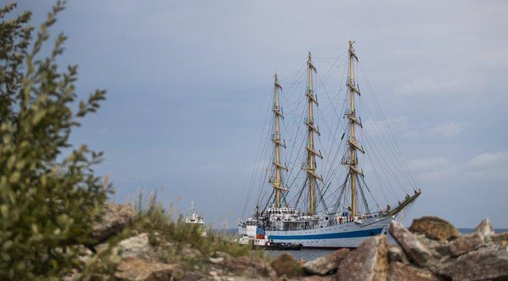 Eestilt ja Poolalt sisenemiskeelu saanud Vene purjelaev randub peagi Soomes