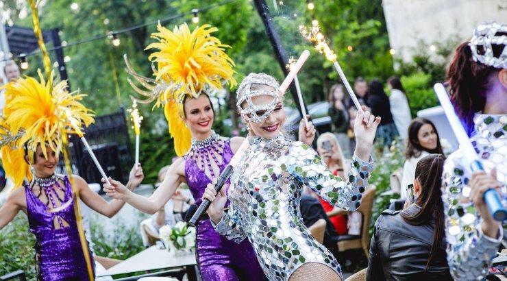 GLAMUURSED FOTOD | Luksuslik šampanja ja kirglik meelelahutus: Moët Grand Day tõi Villa Mon Repo'sse seltskonna koorekihi