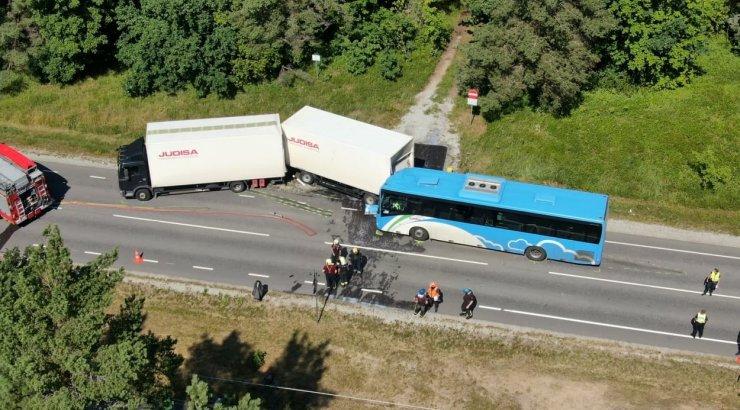 Enamikel bussiõnnetusse sattunud reisijatel polnud turvavöid peal