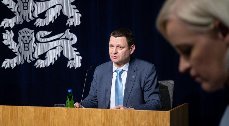 Зарплату главе СГД увеличили до 4030 евро - плюс доплаты